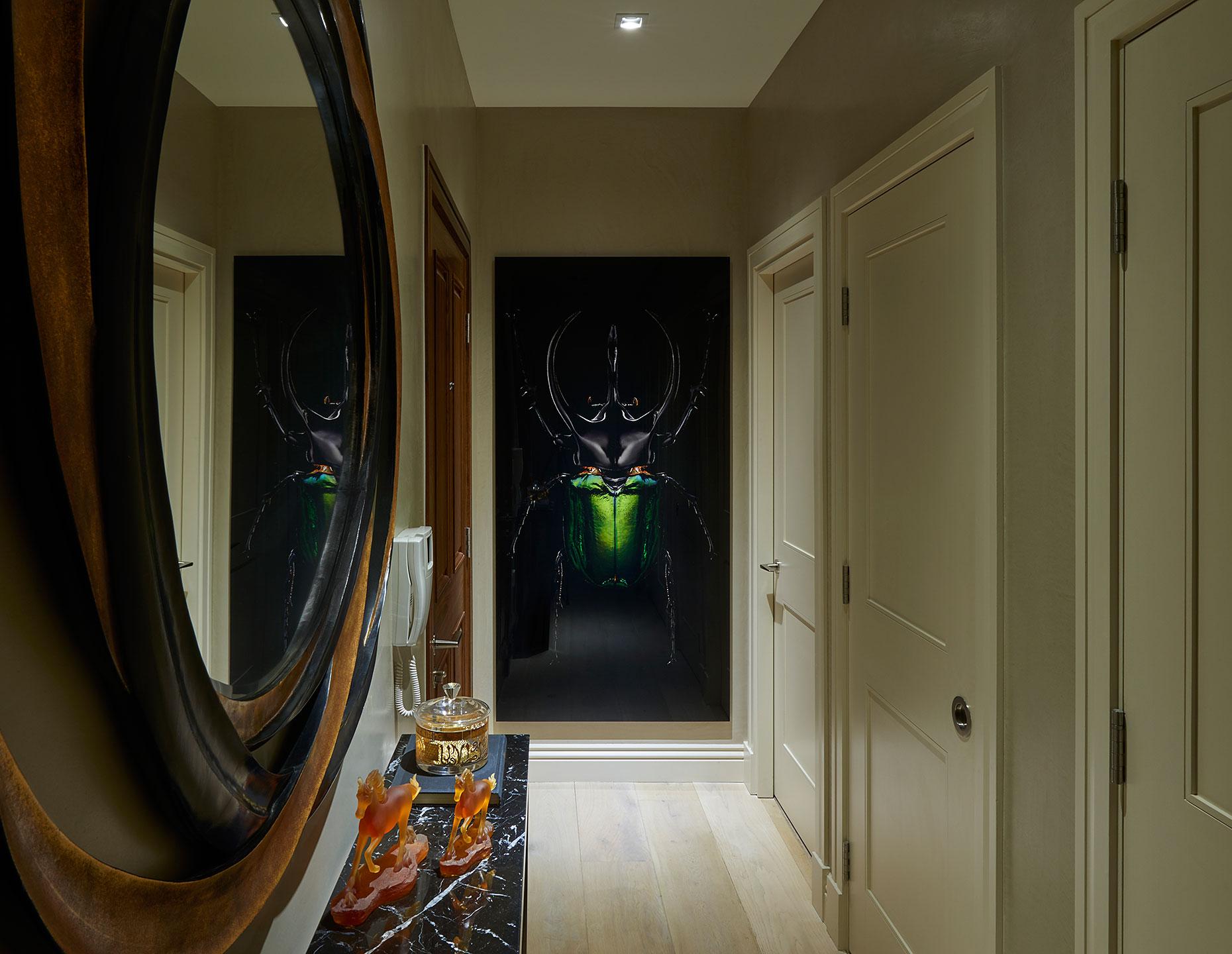 Seymour Street | London | Interior Design by 5mm | Artwork by www.mrsteel.london